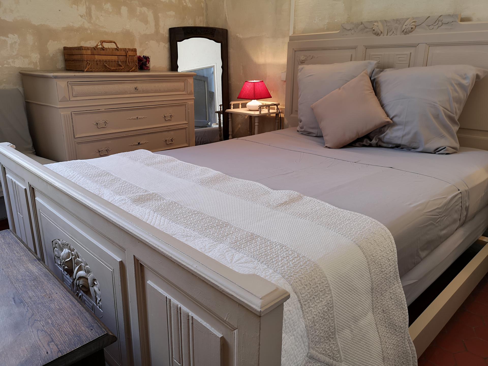 Séjour dans une chambre à Arles